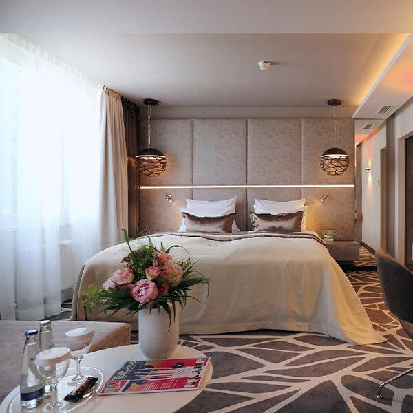 Hotelzimmereinrichtung Galeriebild